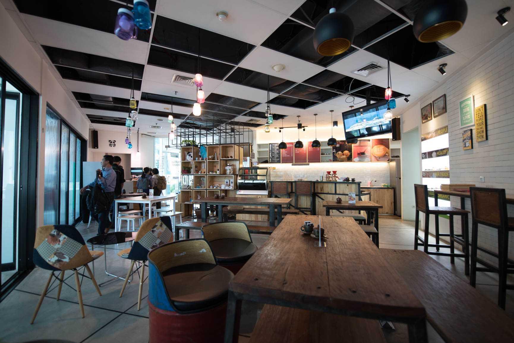 Photo Interior Cafe Cafe Panda House 4 Desain Arsitek Oleh Jerry M