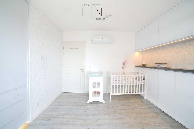 Foto inspirasi ide desain kamar tidur anak modern Kids bedroom oleh Fine Team Studio di Arsitag