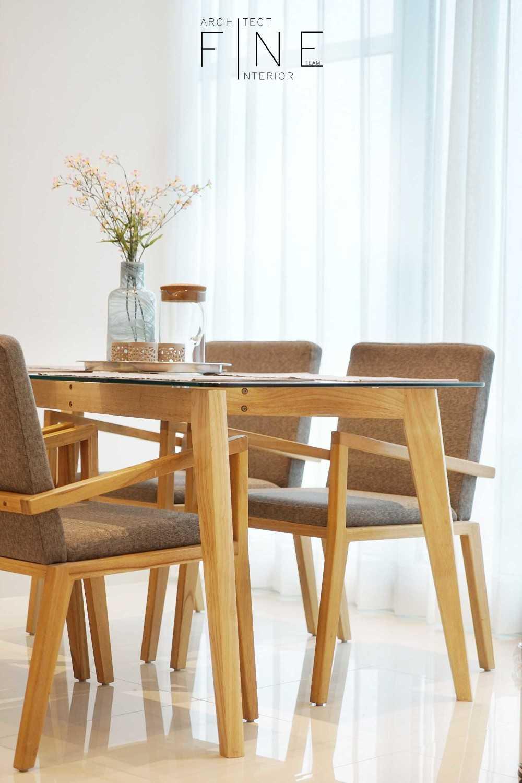 Foto inspirasi ide desain ruang makan minimalis 04apartmentbrooklyn22 oleh Fine Team Studio di Arsitag