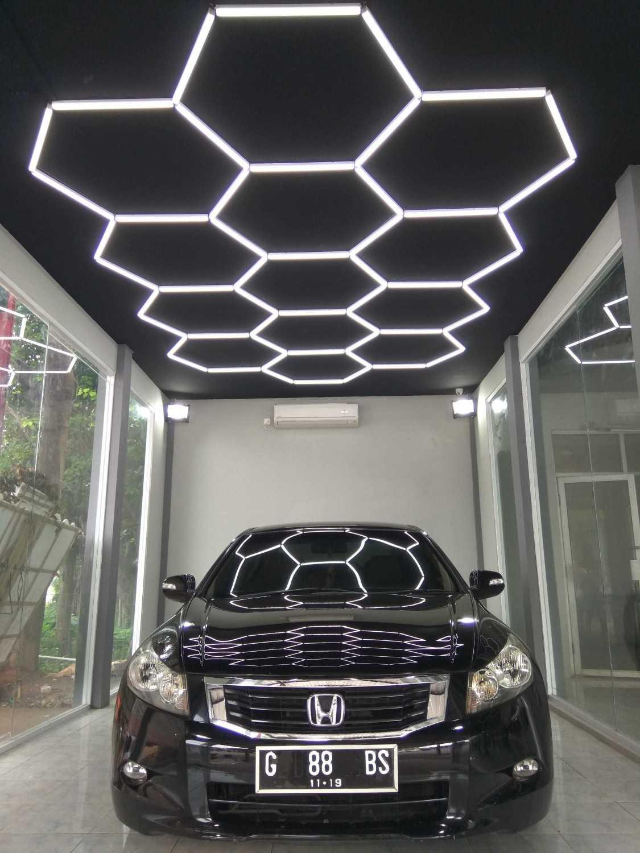 Foto inspirasi ide desain garasi industrial Eko-sulistiyono-autobridal oleh Eko Sulistiyono di Arsitag