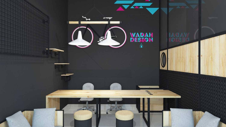 Foto inspirasi ide desain lobby industrial Lobby oleh IDZ Architecture di Arsitag