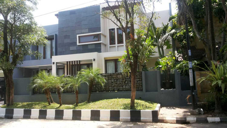 Foto inspirasi ide desain rumah asian Exterior oleh Smarchdesign12 di Arsitag