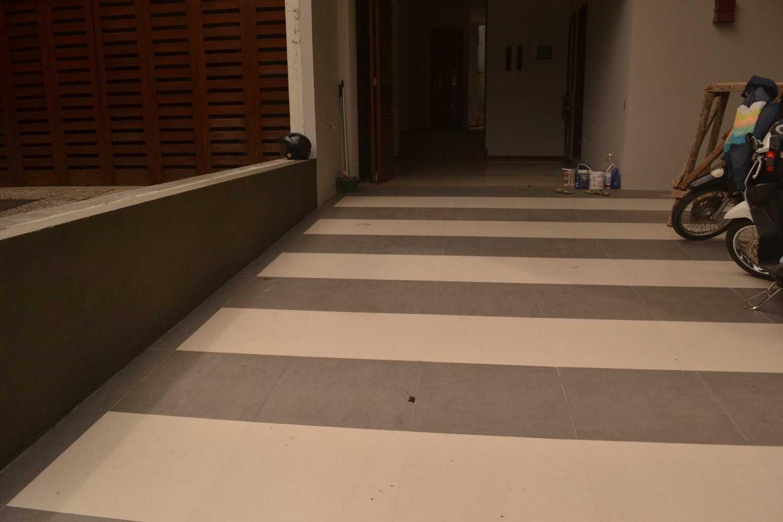 Foto inspirasi ide desain garasi asian Garage oleh Smarchdesign12 di Arsitag