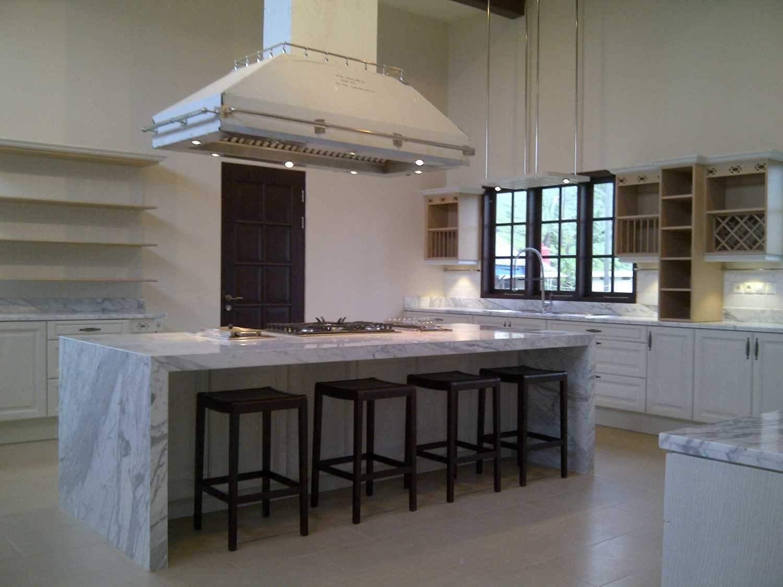 Jasa Interior Desainer Mobalpa Kitchen Jakarta di Cianjur