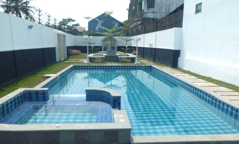Foto inspirasi ide desain kolam klasik Cimg3571 oleh Vastu Cipta Persada di Arsitag