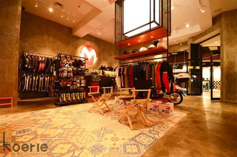 Foto inspirasi ide desain display area industrial Display area oleh Koerie Design di Arsitag