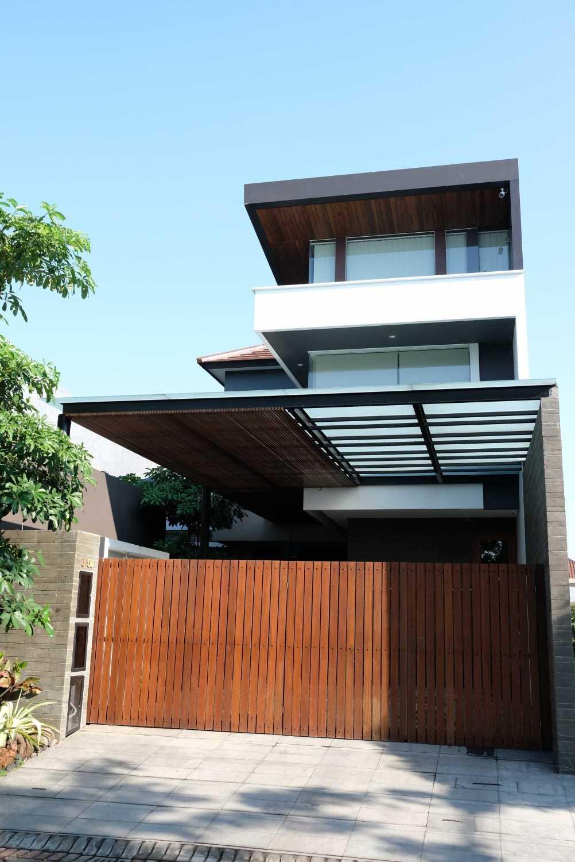 Saga Contractor di Surabaya