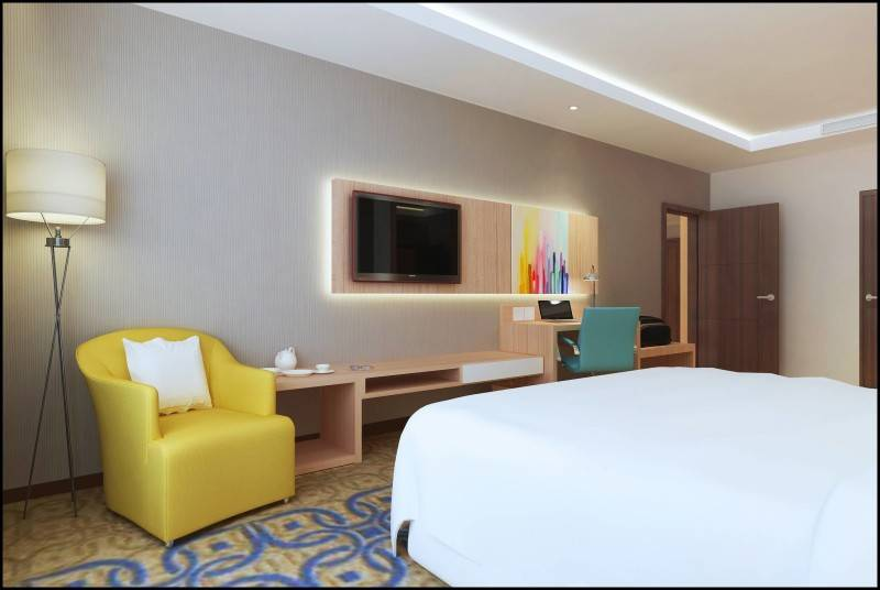Miv Architects (Ar. Muhammad Ikhsan Hamiru, Iai & Partners) Interior Of Four Points Hotel By Sheraton, Makassar (Rooms, Swimming Pool, Fitness Center) Makassar, Sulawesi Selatan, Indonesia Makassar, Sulawesi Selatan, Indonesia Junior Suite Room  4976