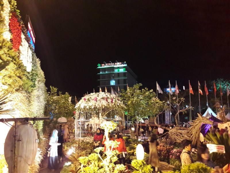 Miv Architects (Ar. Muhammad Ikhsan Hamiru, Iai & Partners) Design Of Flower Art Zone For Makassar International Eight Festival (September 8-10 2016) At Losari Beach, Makassar City, Indonesia Makassar, Sulawesi Selatan, Indonesia Makassar, Sulawesi Selatan, Indonesia Photo-7050 Tropis 7050